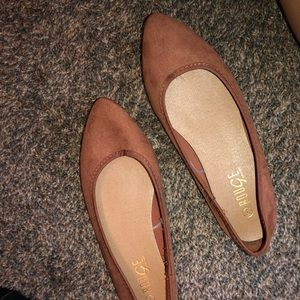 Mauve flats never worn sz7